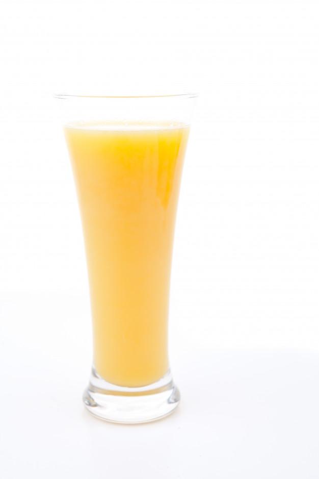 Cette image a un attribut alt vide; le nom du fichier est verre-plein-jus-orange_13339-127833.jpg